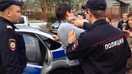 Полиция поймала юношу за курение
