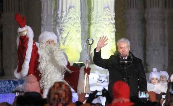 Дед Мороз и Собянин