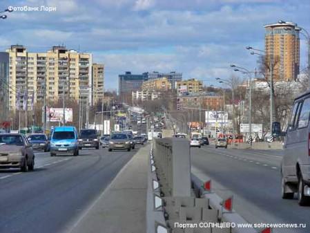 Москва. Городской пейзаж. Улица Рябиновая