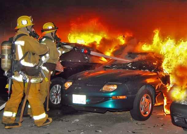 Пожар, пожар в гаражах