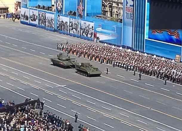 танк Армата заглох на Красной площади