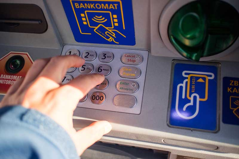 Банк, банкомат
