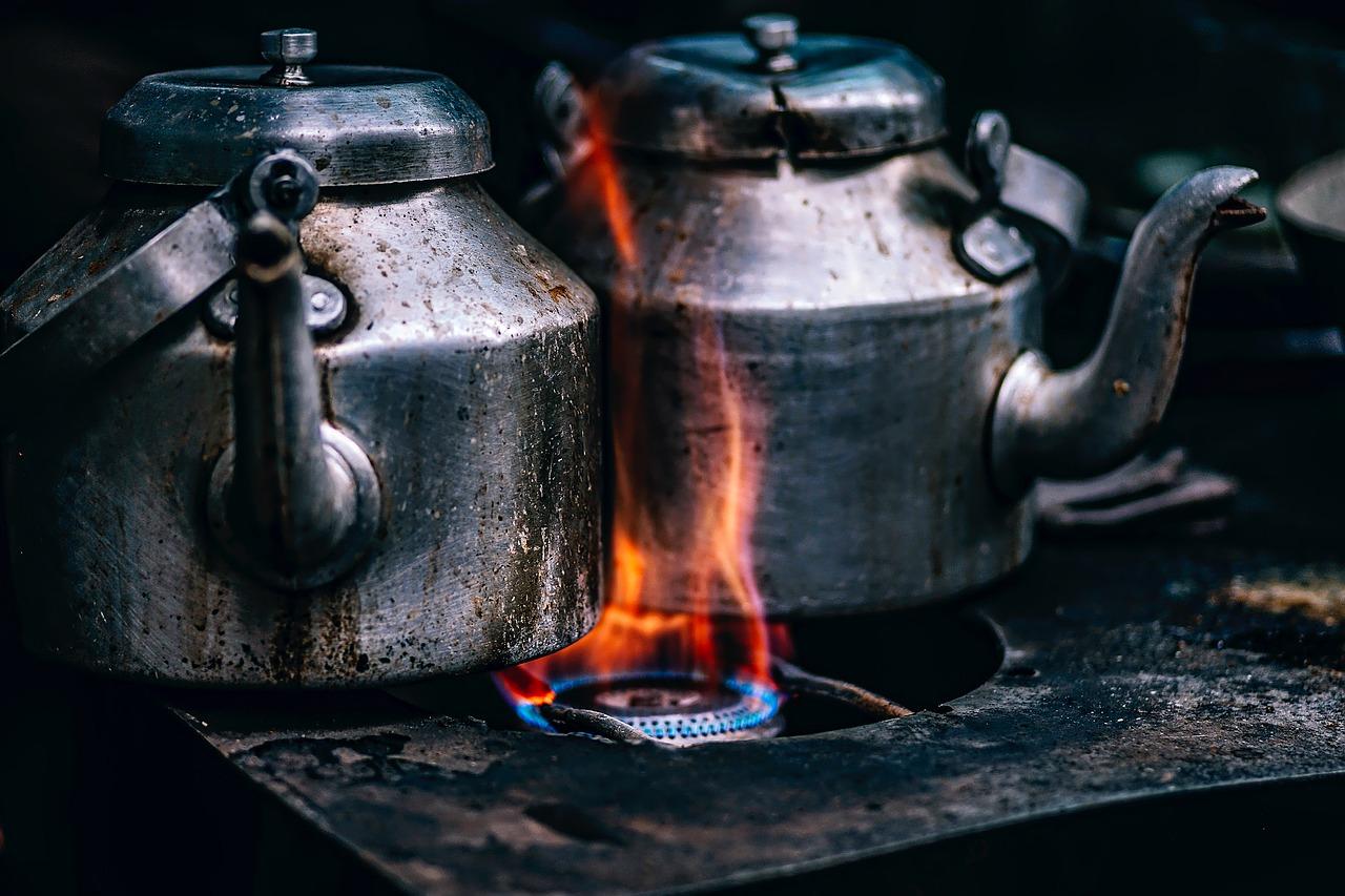 газ, газовая плита, чайник, огонь